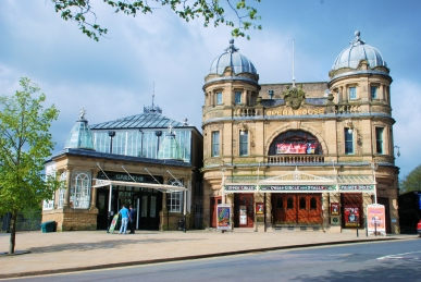 Buxton Opera House by Rob Bendall